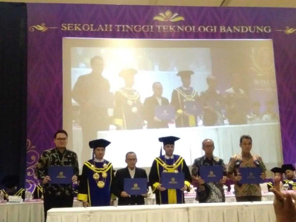 Wisuda Sarjana XIV STT Bandung