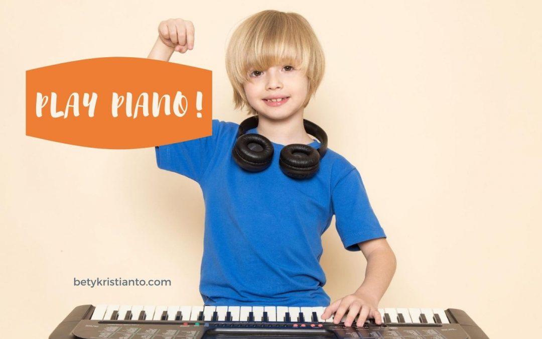 Berbagai manfaat dan keuntungan belajar piano bagi si kecil